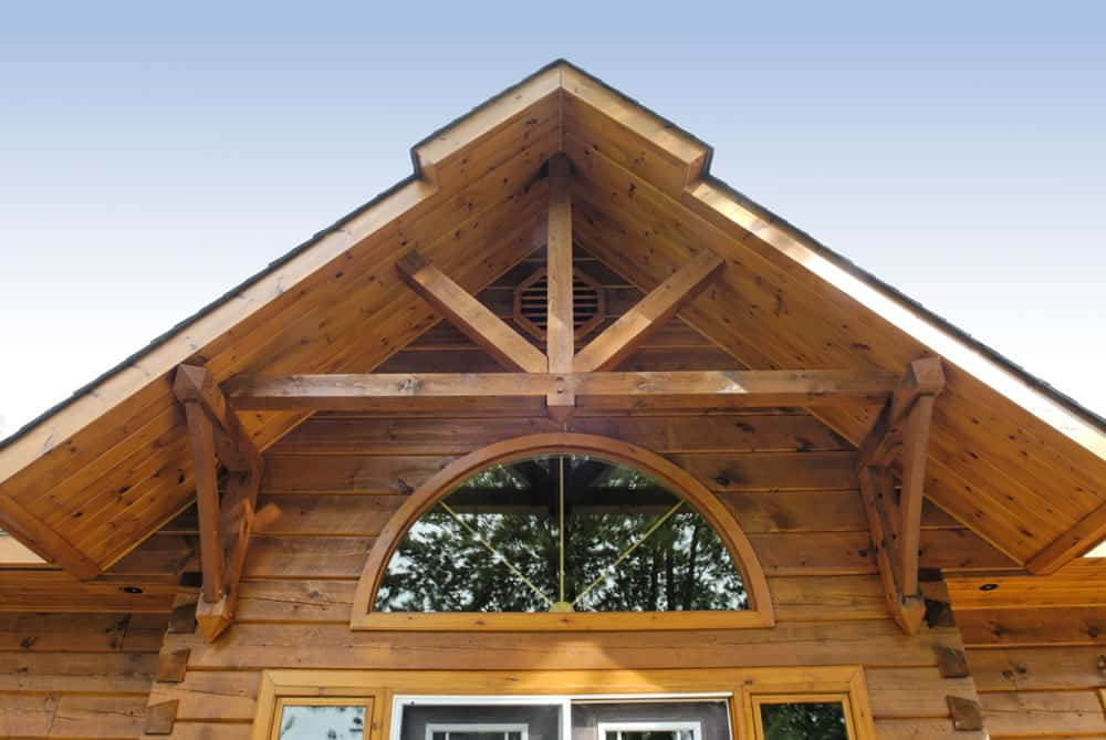 Video choosing the perfect wood stain for your log home for Gable log homes